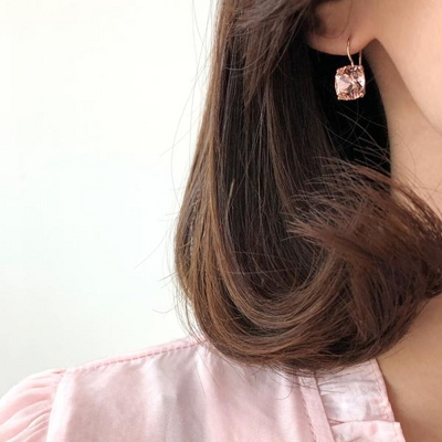14K 영롱한 핑크빛 큐빅 귀걸이