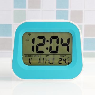 베이직 디지털 탁상시계/온도 날짜 무소음 알람시계
