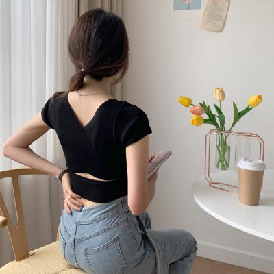 여자 여름 등트임 브이넥 크롭 딱붙는 니트 티셔츠