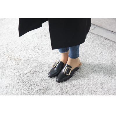 여자 가을 겨울 금장식 가죽 안감 털 블로퍼 신발