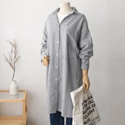 여성 캐주얼 포켓 세로 스트라이프 롱 셔츠