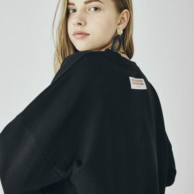 W_아카릿 3358 유니 맨투맨 오버핏 블랙 스웨트셔츠