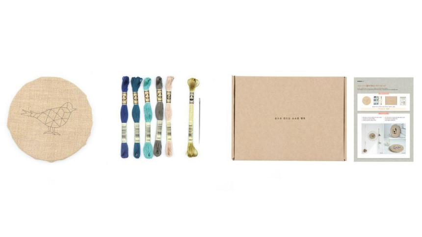 프랑스자수 황마 캔버스 액자 DIY KIT - 작은 파랑새 - 솜씨컴퍼니, 33,000원, 십자수, 십자수 소품 패키지