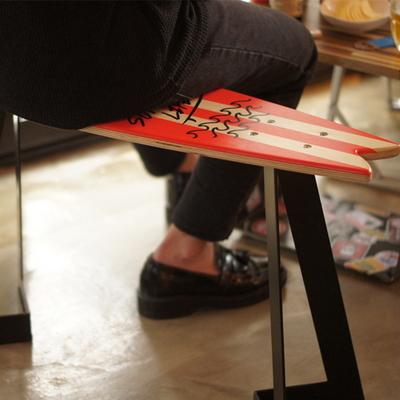 서핑보드 스툴+테이블-레드