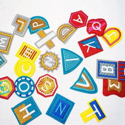 20. 다각형 알파벳 자수와펜 열접착 자수패치 명찰(수량1개)