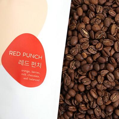 과일의 산미와 허브향의 커피 레드 펀치 200g