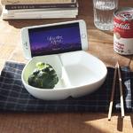 반반 나눔접시 핸드폰거치 가능한 그릇