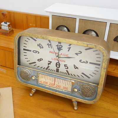 DS-S405빈티지 라디오 탁상시계 2color 카페 소품 집들이 개업 선물